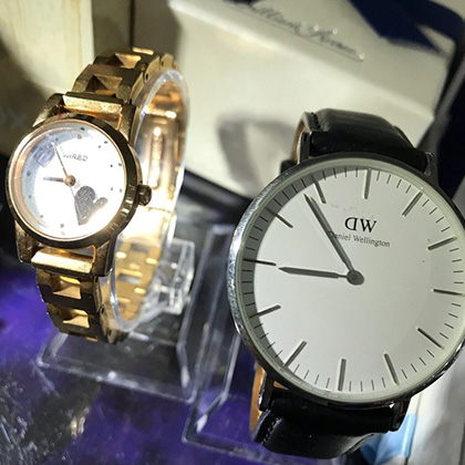 46aa20fd04 萬屋においてある時計、メンズだけと思っていませんか? 少しずつですが、レディースウォッチも入荷中ですよ〜 ダニエルウェリントンやウィアード、フォリ  ...